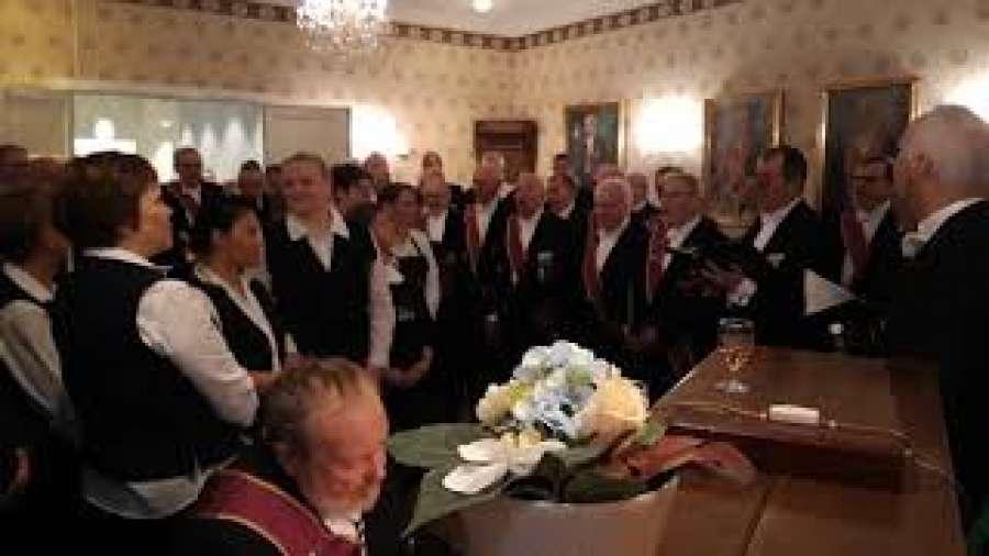St. Johanneslogen i Bodø hadde sin tradisjonelle juleavslutning tordag 18. desember. Se video.