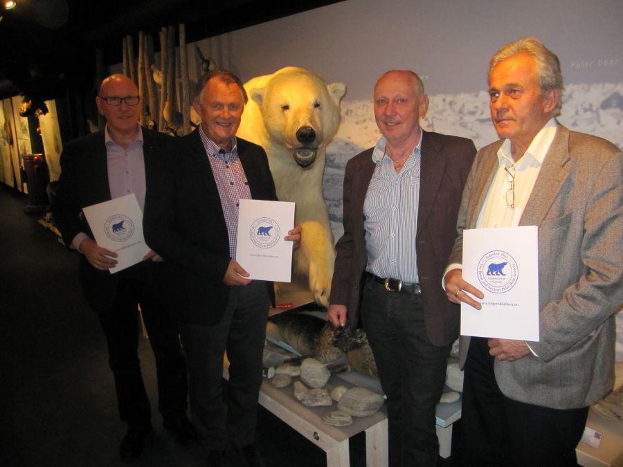 På bildet fv: Even Bjugn, OSM Tore Evensen, OM Svein Fredriksen, Bjørn Tore Solheim.