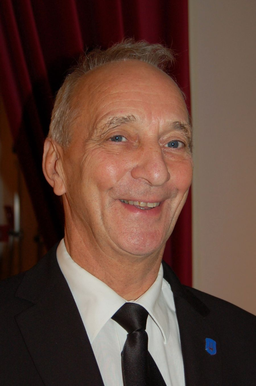 Arne Hjermind, travel og positiv formann for byens travleste kor.