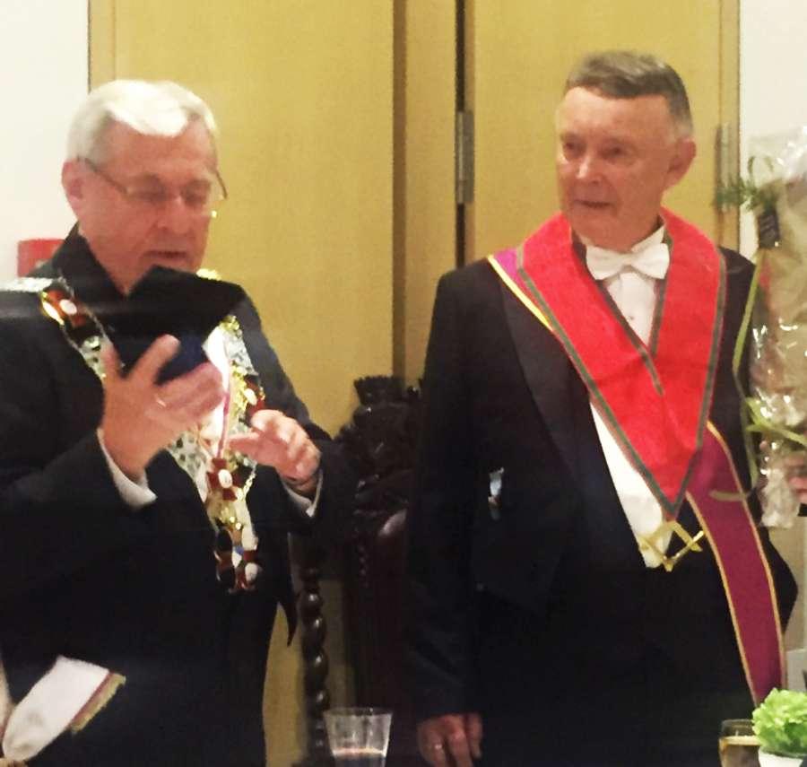 Ordenens Stormester Ragnar Tollefsen og Hålogalands Ordførende Mester Olav Andreassen