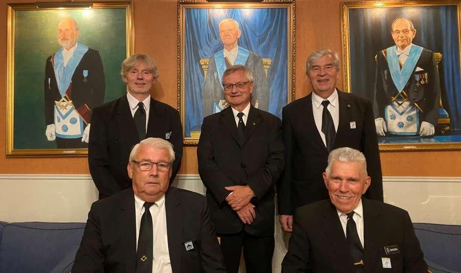 Utdeling av Logens honnørtegn til fire Sirius-brødre