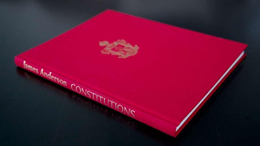 "Andersons ""Constitutions"" utgitt i forbindelse med Landslogens 125-års jubileum"
