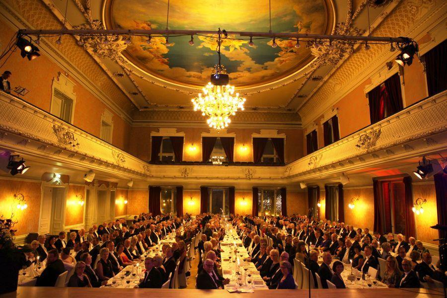 Festsalen i Trondheim fylt til trengsel med 300 deltagere under Gallaen lørdag kveld